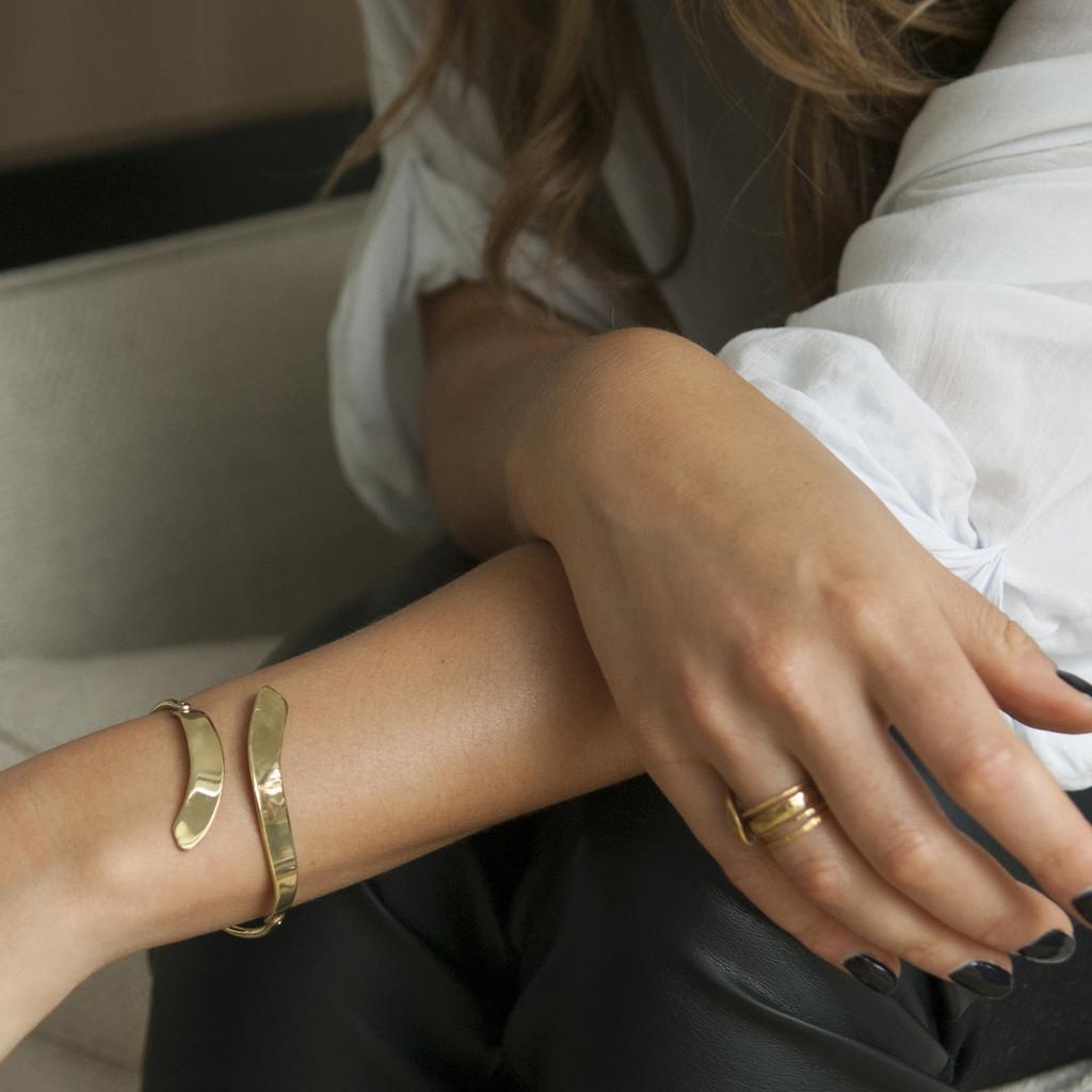 allude adjustable cuff in brass