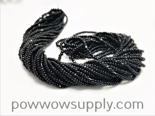 15/0 Charlottes Opaque Black