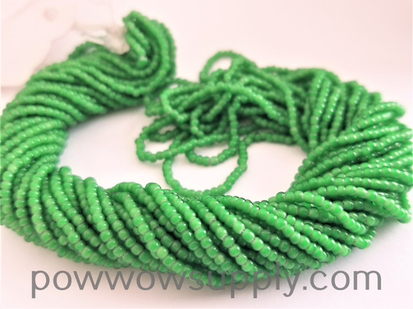 11/0 Seed Beads Green Whiteheart