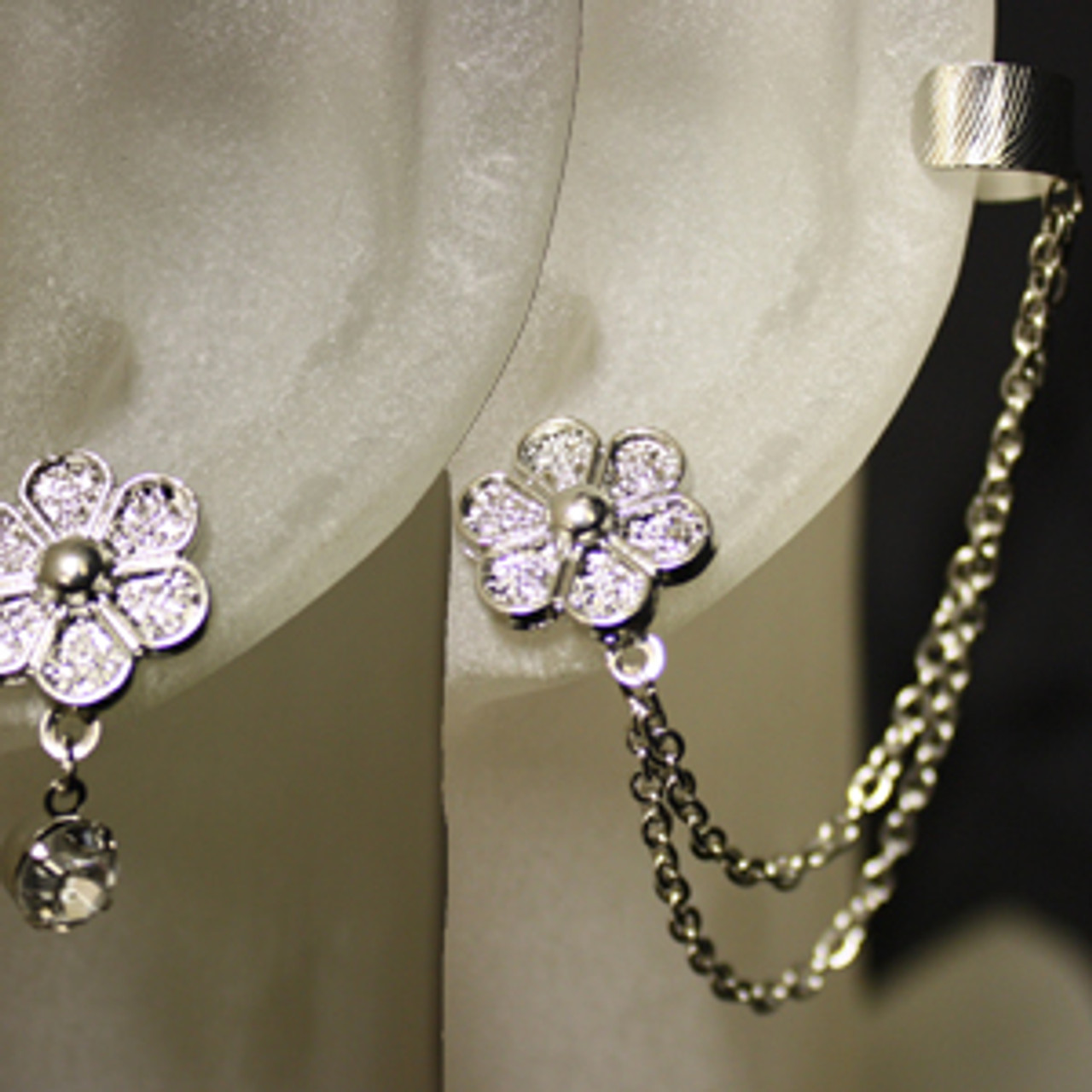 Daisy ear cuff set