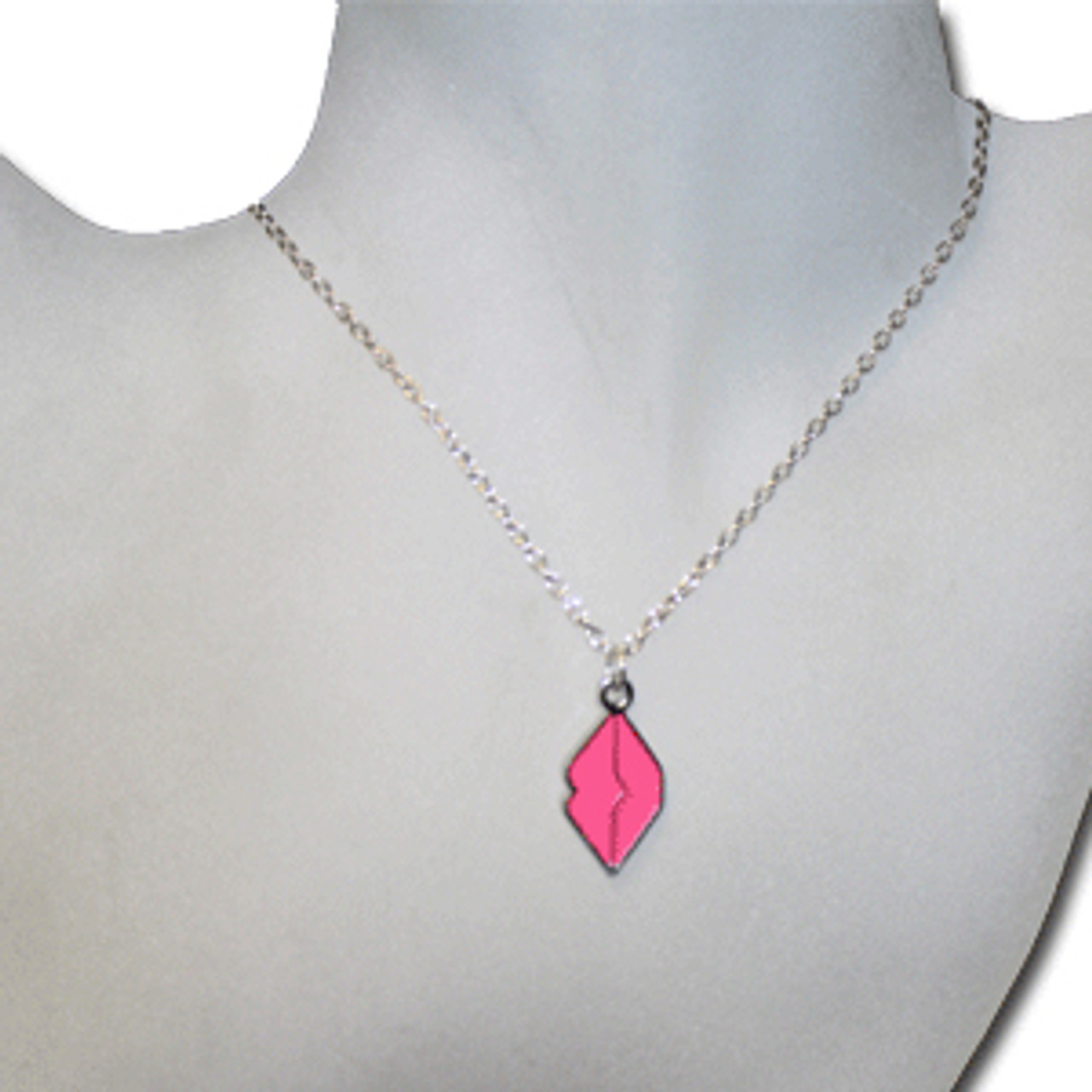 Pink kiss necklace