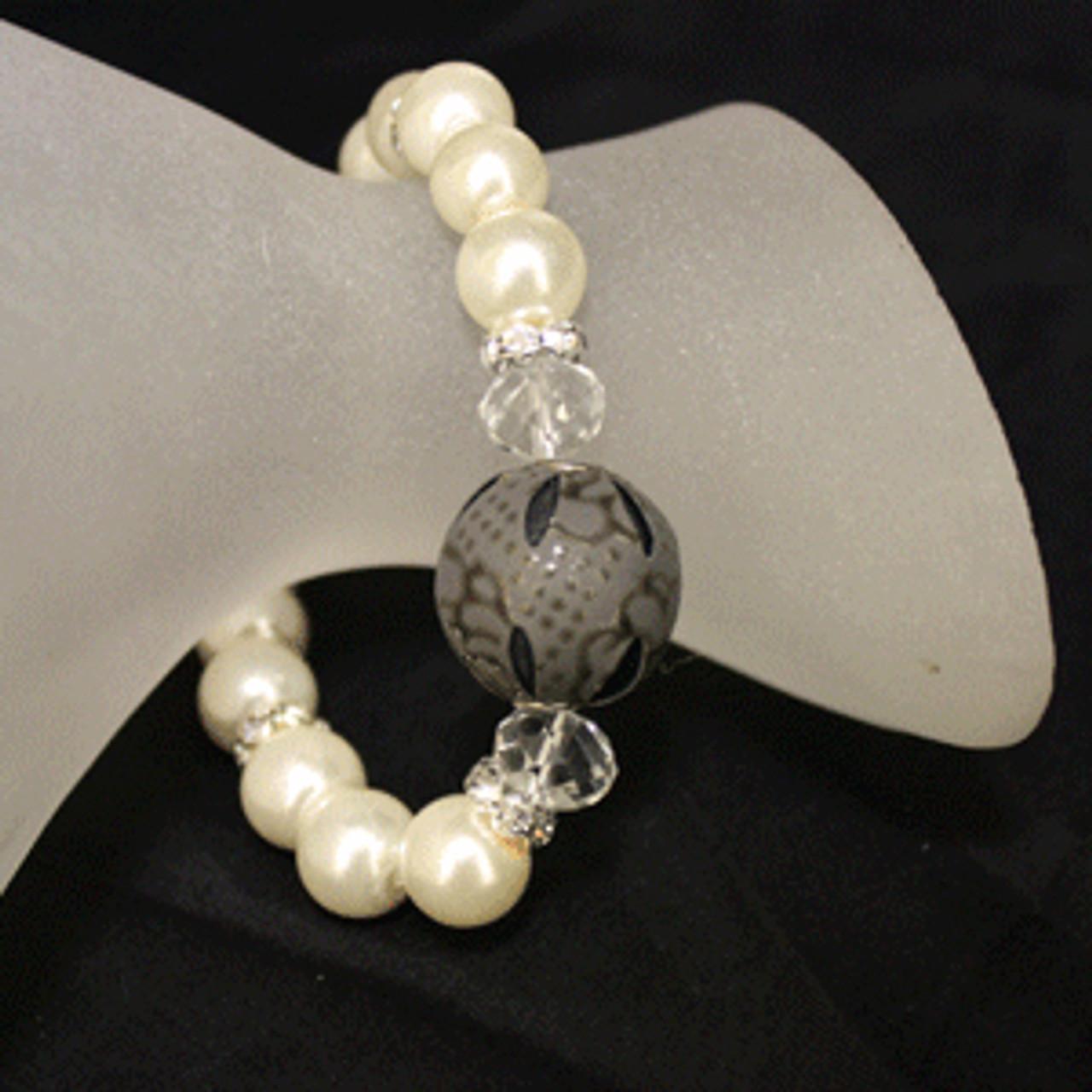 Girls dress up pearl bracelet
