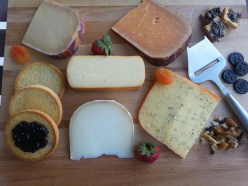 The Dutchman Cheese Board Kit