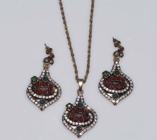 Antique Gold Deltoid Shaped Rhinestone Jewelry Set