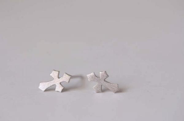 925 Sterling Silver Fashion Cross Studs Hypoallergenic Earrings