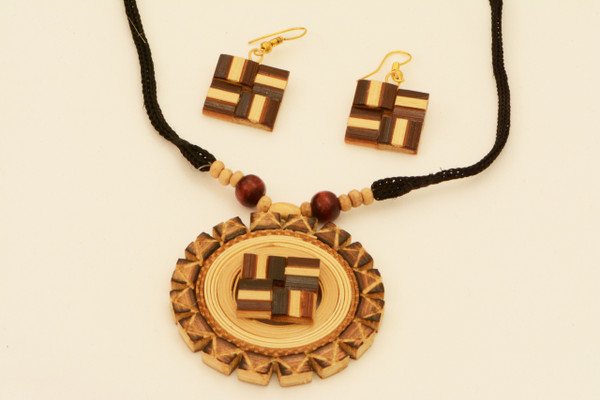 AamiraA Fine Handcrafted Bamboo Round Swastik Designer Jewelry Set