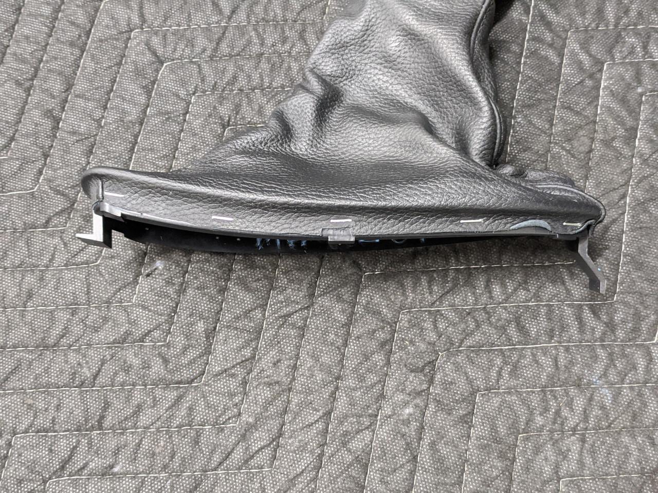 BMW E63/E64 M6 Leather Handbrake Cover Schwarz 34427900343