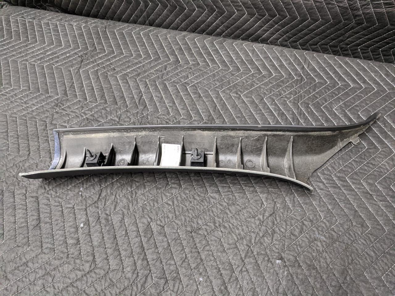 BMW E64 M6 Convertible A-Pillar Right Schwarz 51438043896
