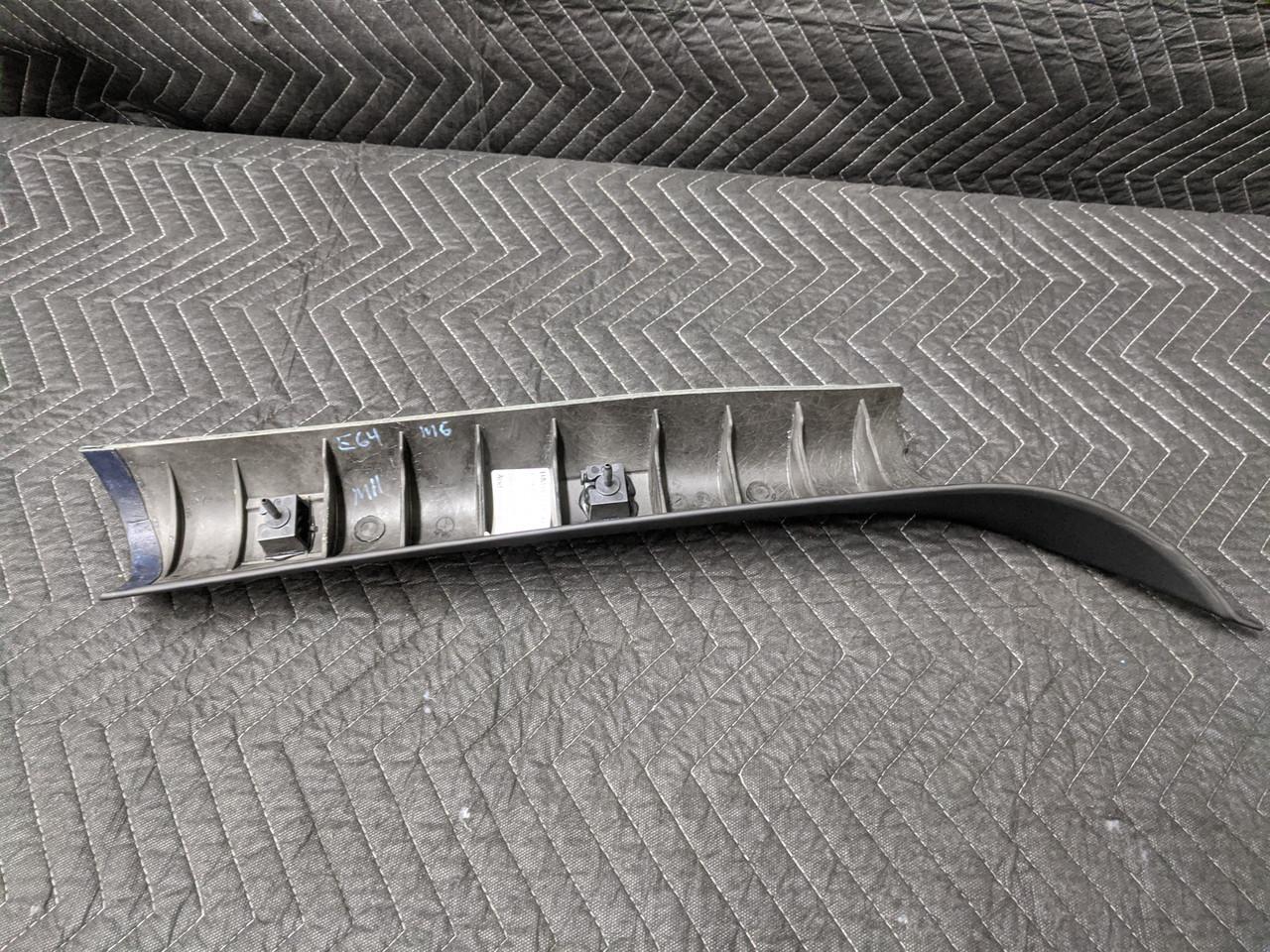 BMW E64 M6 Convertible A-Pillar Left Schwarz 51438043895