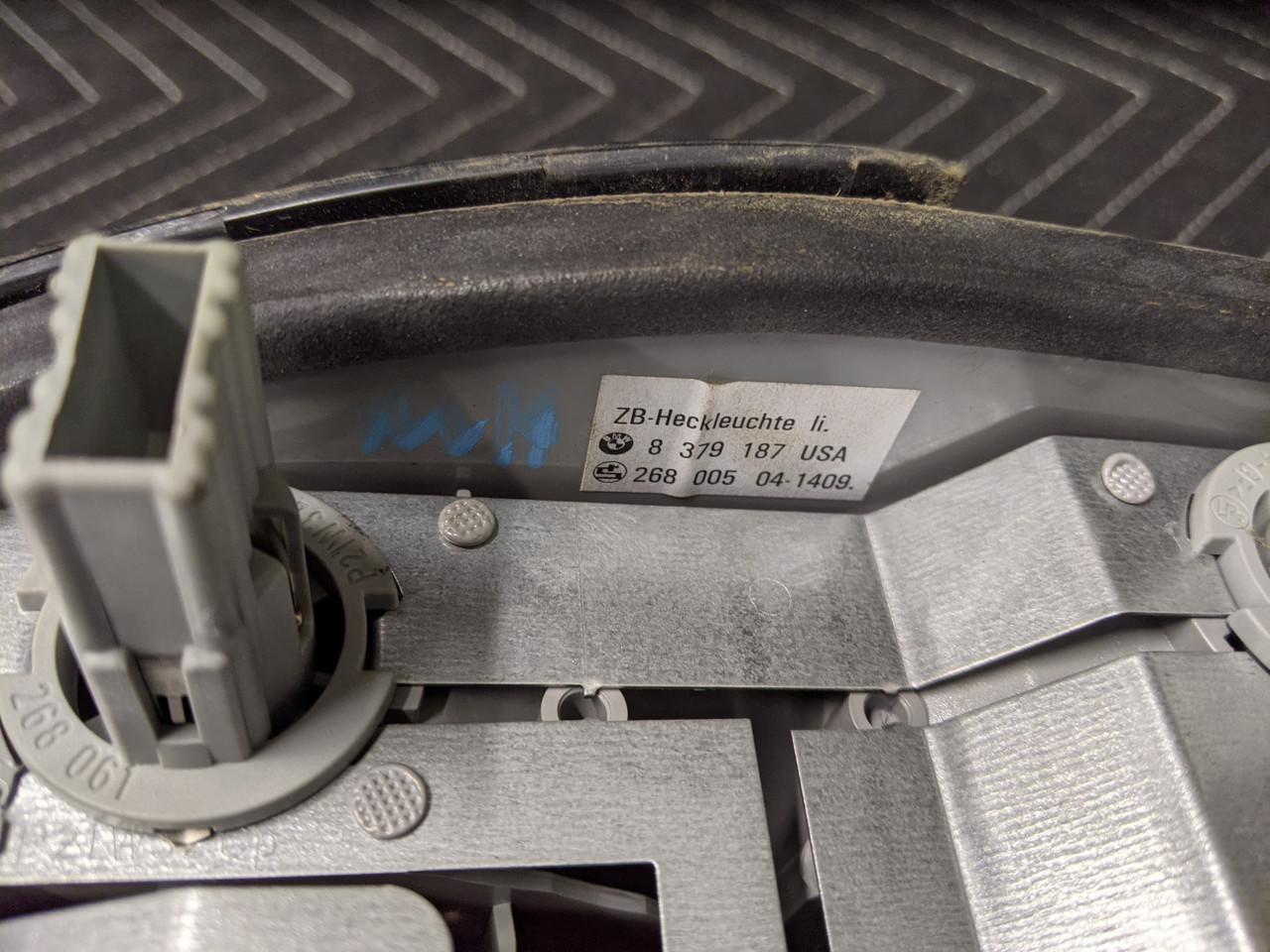 BMW E38 7-Series Tail Light Rear Left Driver  8379187