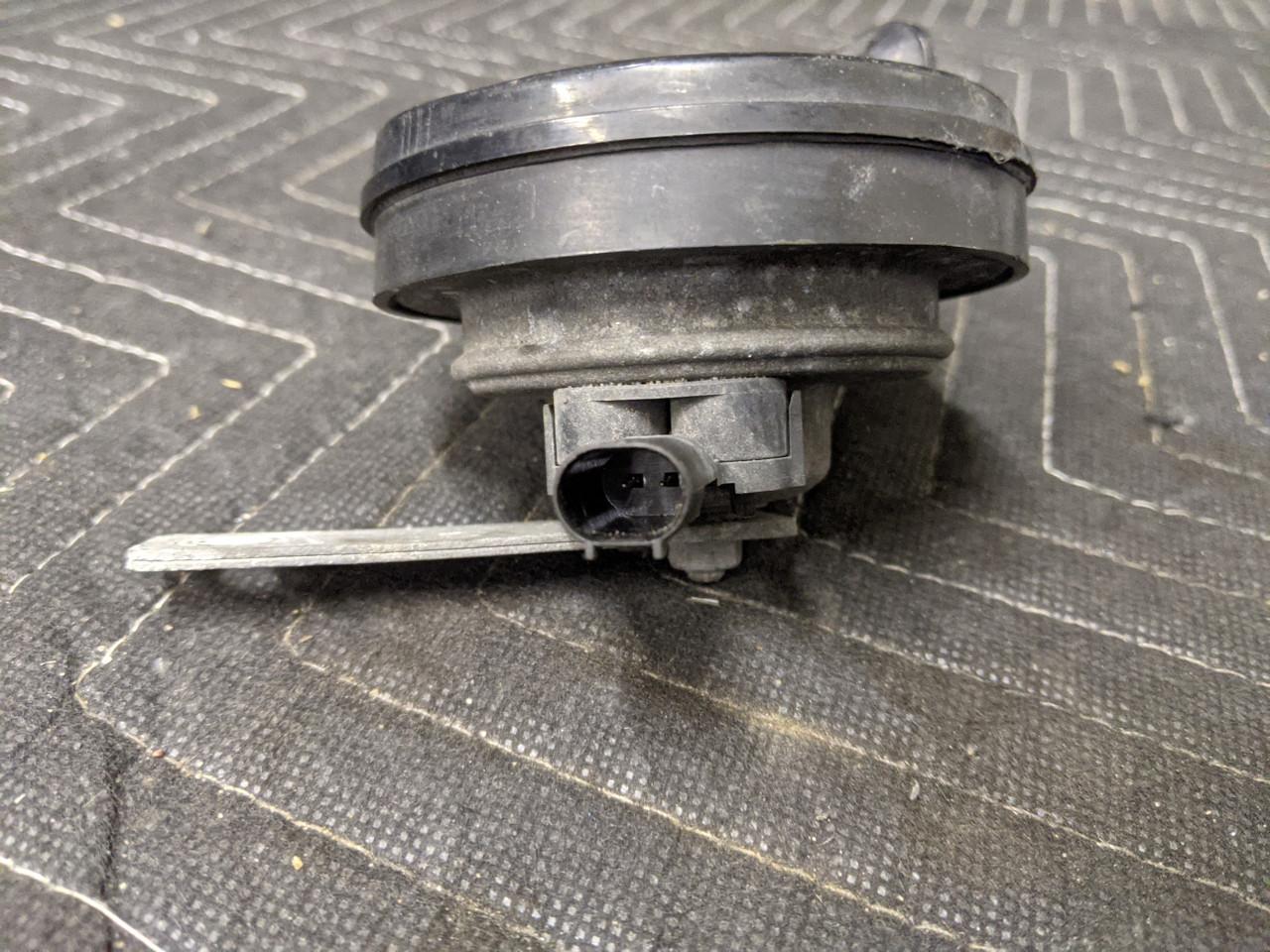BMW E38 7-Series Horn Low Pitch Fiamm 410 Hz 61338361309