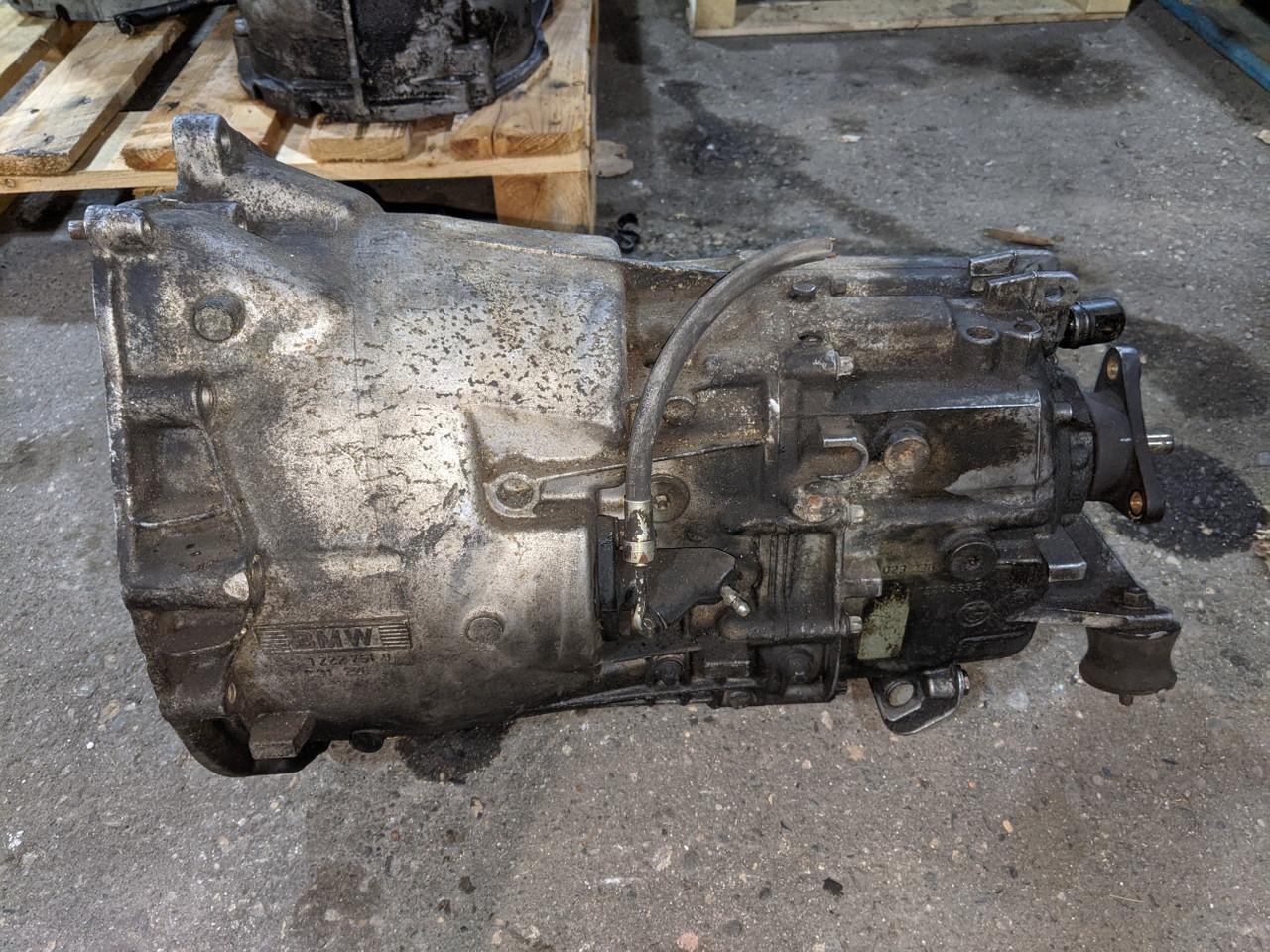 BMW E36 3-Series 5-Speed Manual Transmission ZF 5SD 320Z 1222751