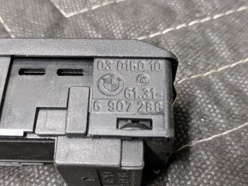 BMW E38/E39/E46/E53/E60/E83 Sliding Sunroof Switch 61316907288