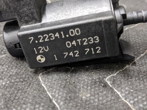 BMW E36/E38/E39 Electric Vacuum Valve Solenoid Pierburg 11741742712
