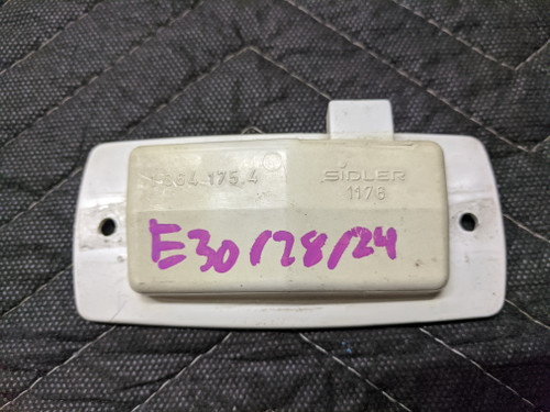BMW E24/E28/E30 Side Marker Lamp Housing 1364175