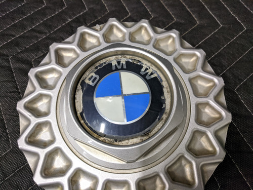 BMW E24/E32/E34 Cross Spoke Style 5 Hub Cap 36131179828