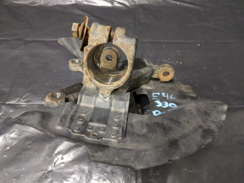BMW E46 3-Series Front Right Steering Knuckle 31211096430