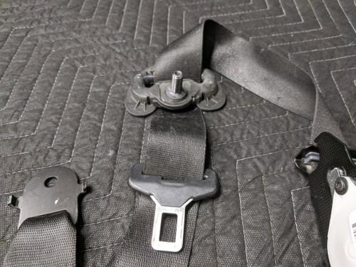 BMW E70 X5 Upper Front Seat Belt Left Schwarz 72117171967