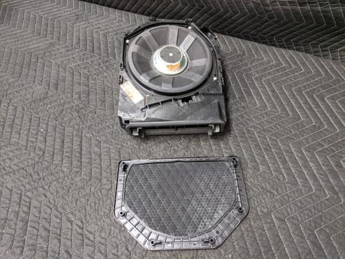 BMW E90/E91/E92/E93 3-Series Central Bass Top HiFi Logic 7 Left 65139143135