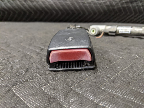 BMW E38/E39 5-Series 7-Series Lower Seat Belt Receiver Front Right Passenger 72118221010