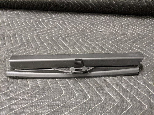 BMW E60 5-Series Interior Sun Shade Rear Right Triangular Window Schwarz 51357071112