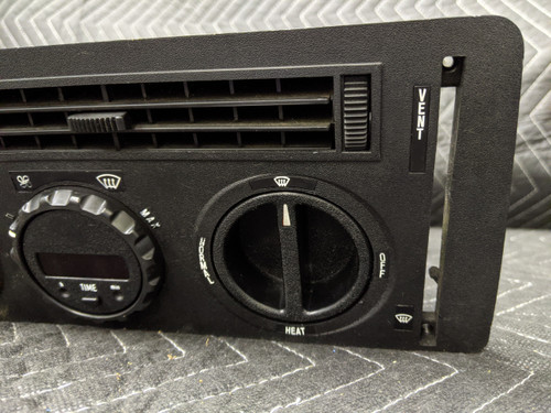 BMW E24 6-Series Heater Air Conditioning Clock Vents Controls 64111370096