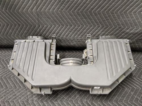 BMW E70 X5 Air Intake Cleaner Box N62 4.8L 13717548896