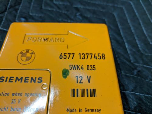 BMW E23/E24/E28/E30 Airbag Control Module Siemens 65771377458