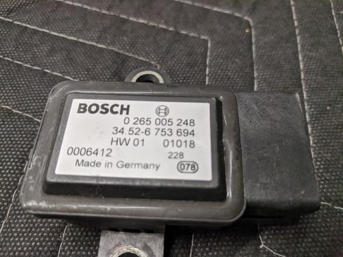 BMW E38/E39/E46/E52/E53 Yaw Acceleration Speed Sensor Bosch 34526753694
