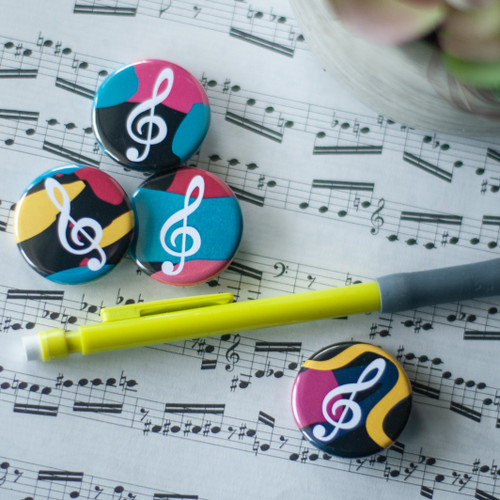90s inspired treble clef buttons