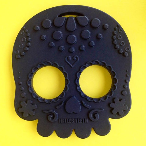 Black skull baby teething toy