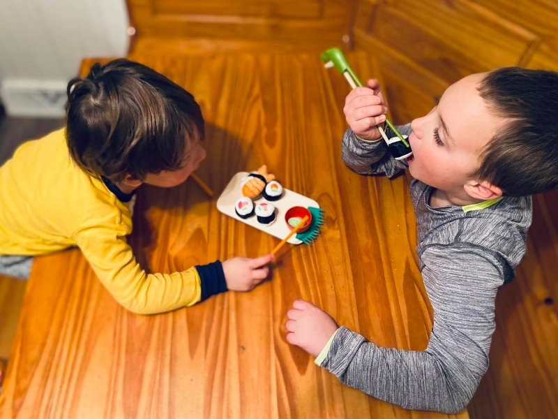 Using Play to Reinforce Healthy Eating Habits