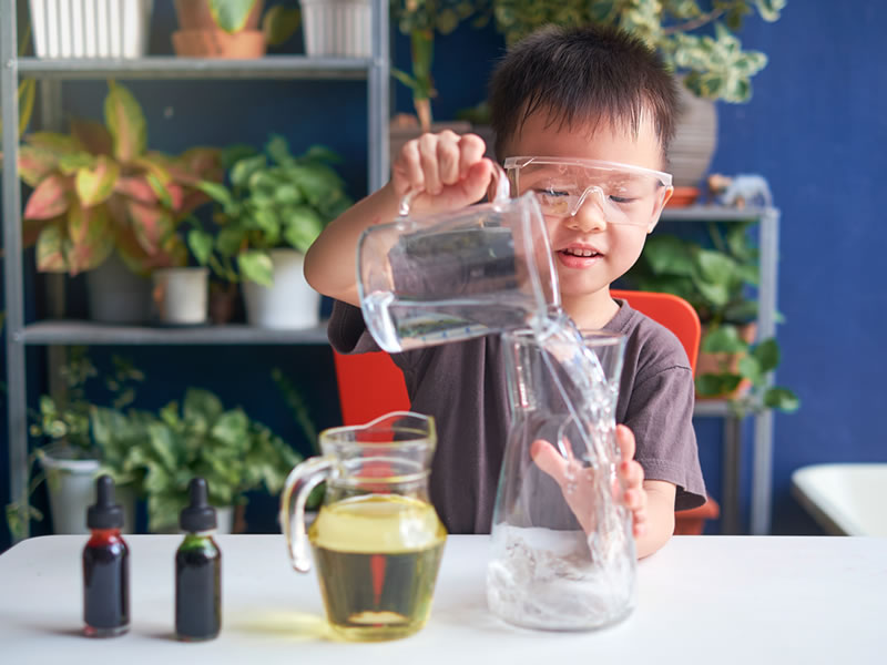 What is the difference between STEM and STEAM?