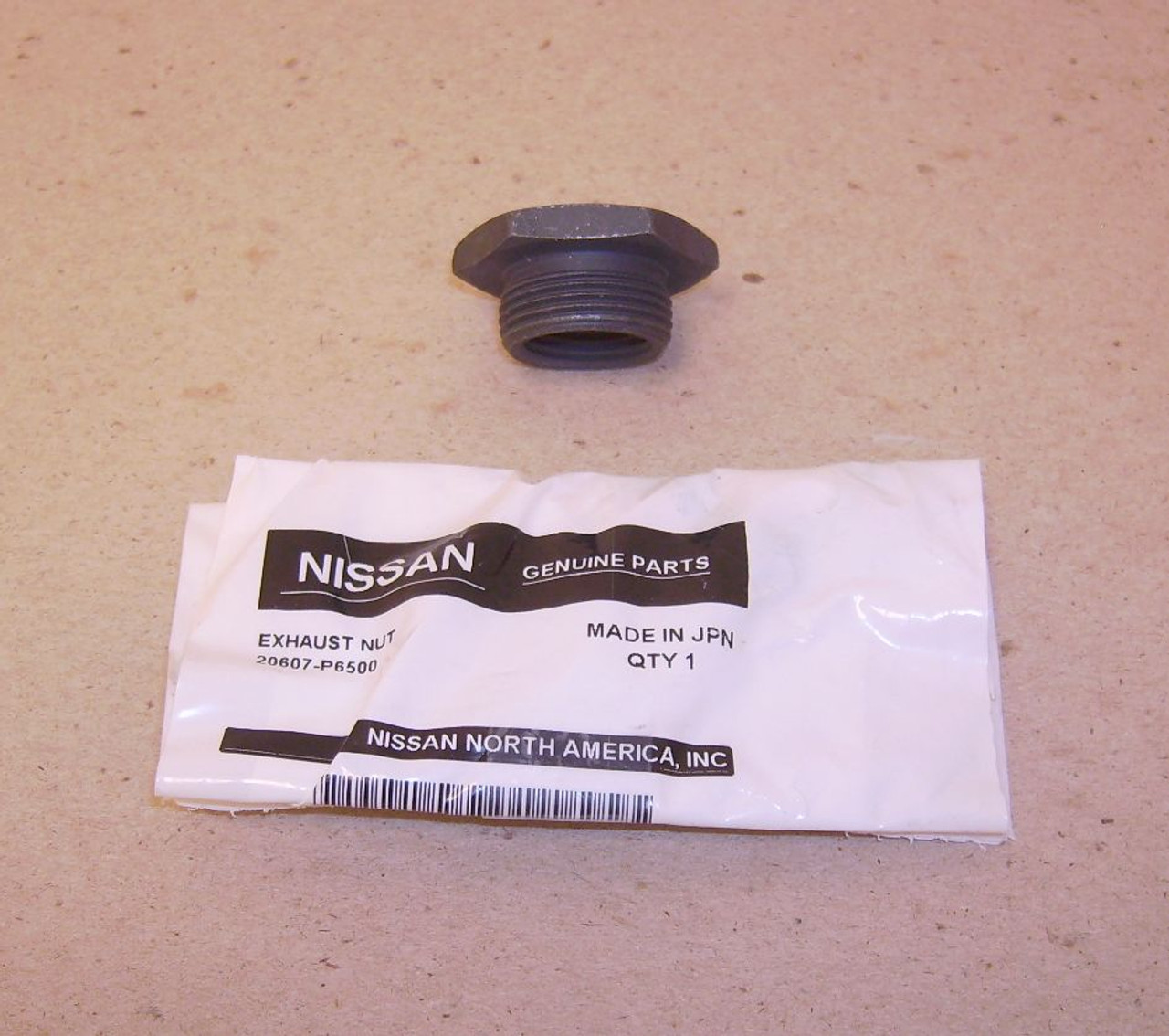 O2 Oxygen Sensor Adapter Bung Fits Datsun & Nissan With The Larger Diameter Sensors With M18 Threads 20607-P6500