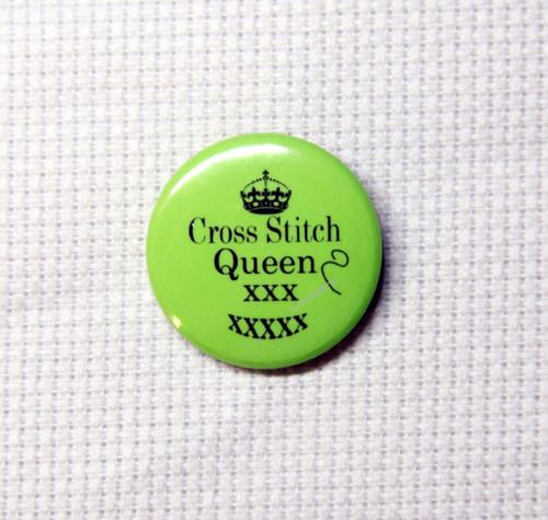 Cross Stitch Queen needle minder green
