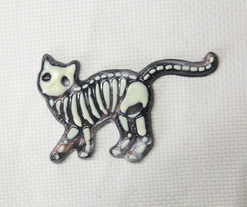 Skeleton Cat needle minder OOAK