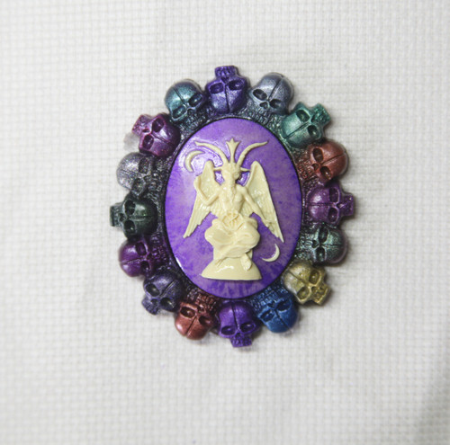 Ring of Skulls needle minder OOAK 4