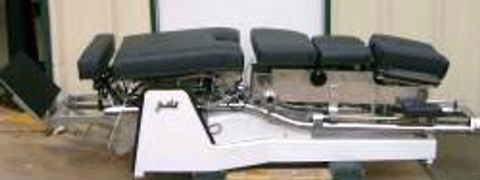 Used Zenith II 440 Hylo Chiropractic Table