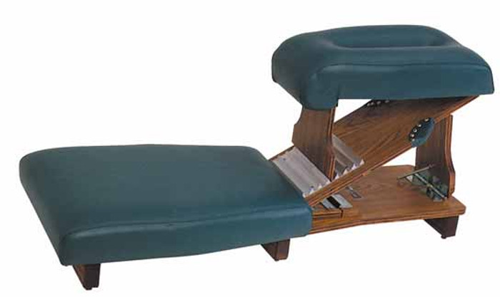 Lloyd Knee Chest Table