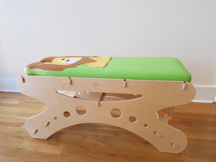 Lion Pediatric Table