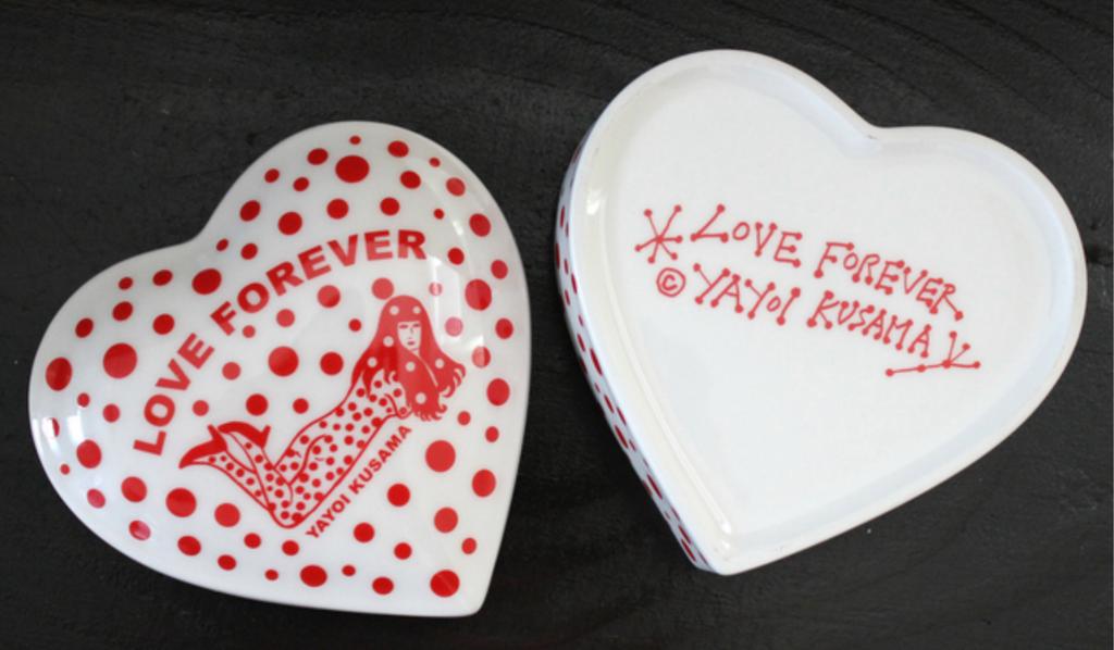 Yayoi Kusama, Love Forever, 2016
