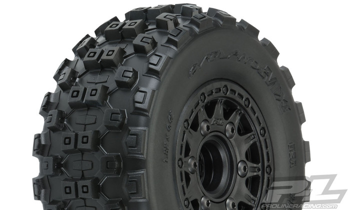 "Pro-Line Badlands MX SC 2.2""/3.0"" M2 Medium All Terrain Tires on Raid Black 6x30 Removable Hex Wheels, 10156-10"