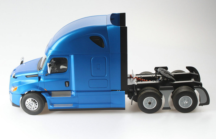 Diecast Masters 1/16th Scale R/C Freightliner Cascadia Raised Roof Sleeper Cab, 27006