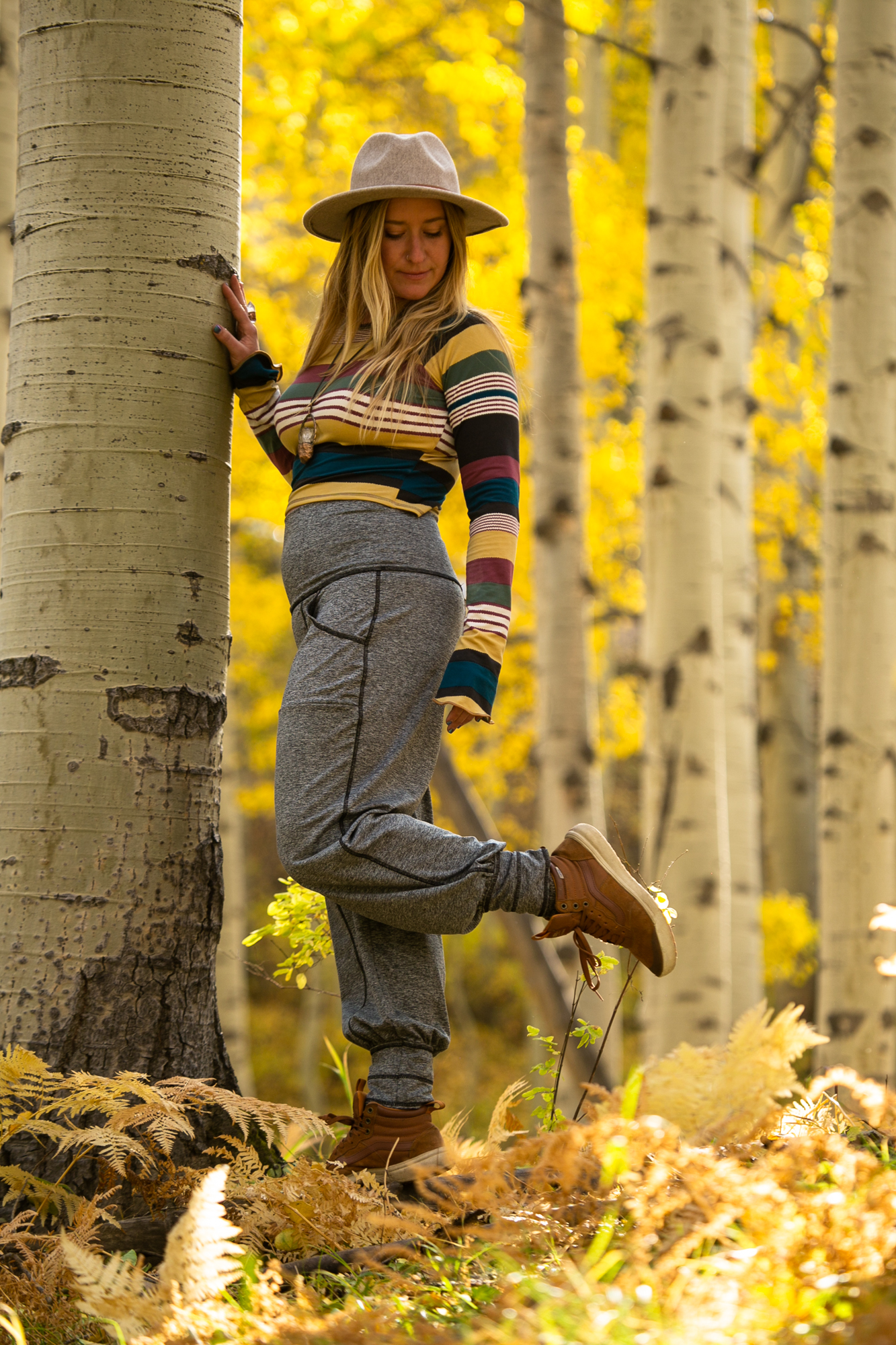 Our newest Unisex addition to the Autumn Teneyl Line.  This pant really was made for everybody!  It still has the comfy, casual fit of the Dreamer Pant without the rouching and we added a gusset for a more comfort!  Super soft knit fabric that is durable but silky to the touch. We kept the pull on waist, the two front pockets pocket for style and a hidden pocket to keep your valuables safe. Who doesn't love pockets!  You can push the cuff up and wear the leg as a cropped pant.