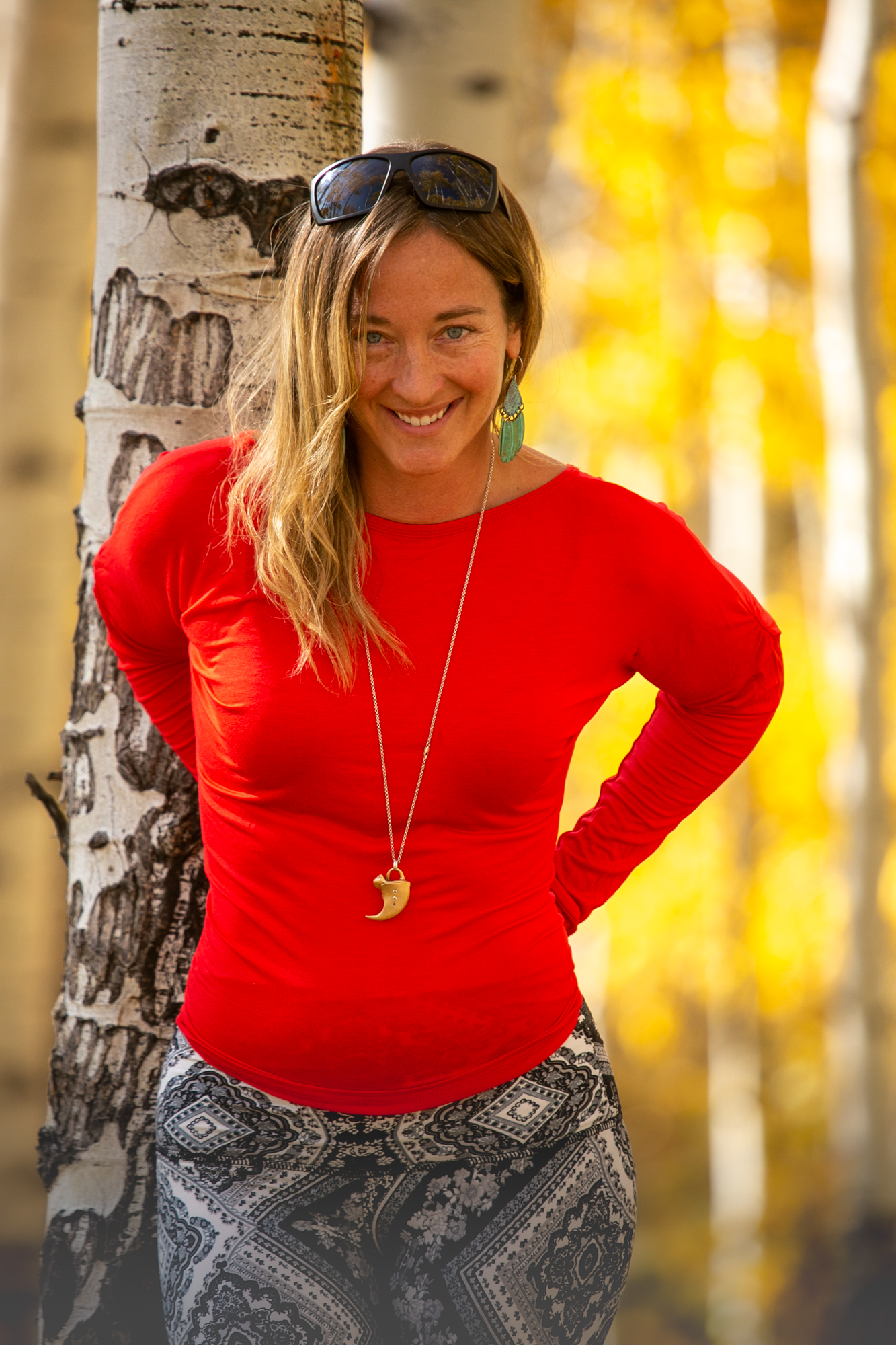 The Starr Top is a new addition to the Autumn Teneyl line and you'll love it's versatility!  It can be worn with the v-neck in the front or back depending on your mood and we've added thumb holes in the sleeves for either fun or function - You decide! Made from recycled birch wood modal for supreme comfort and fit, this flattering top is a must have in any collection.