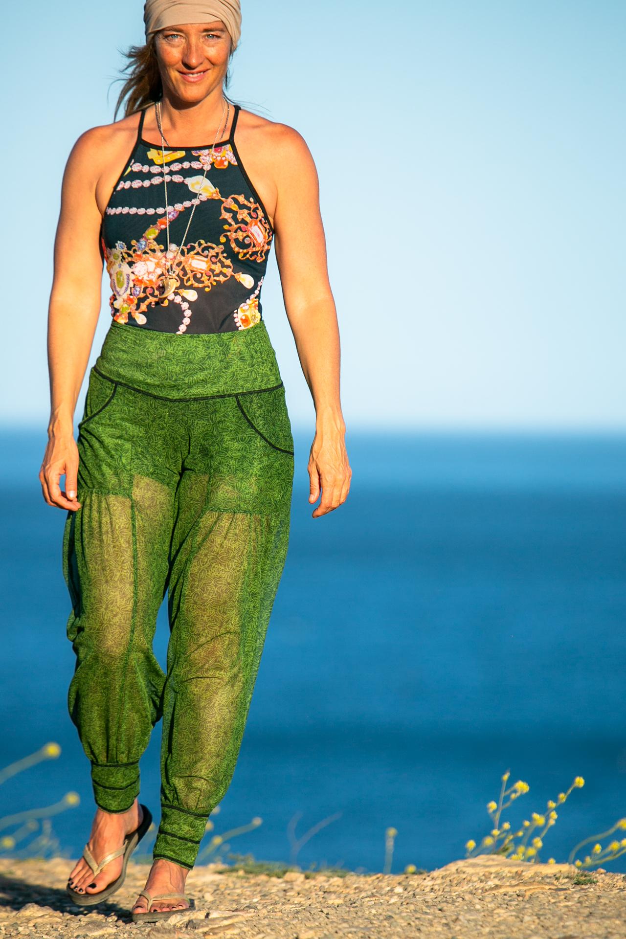 Dreamer Pant in Leaf Breeze