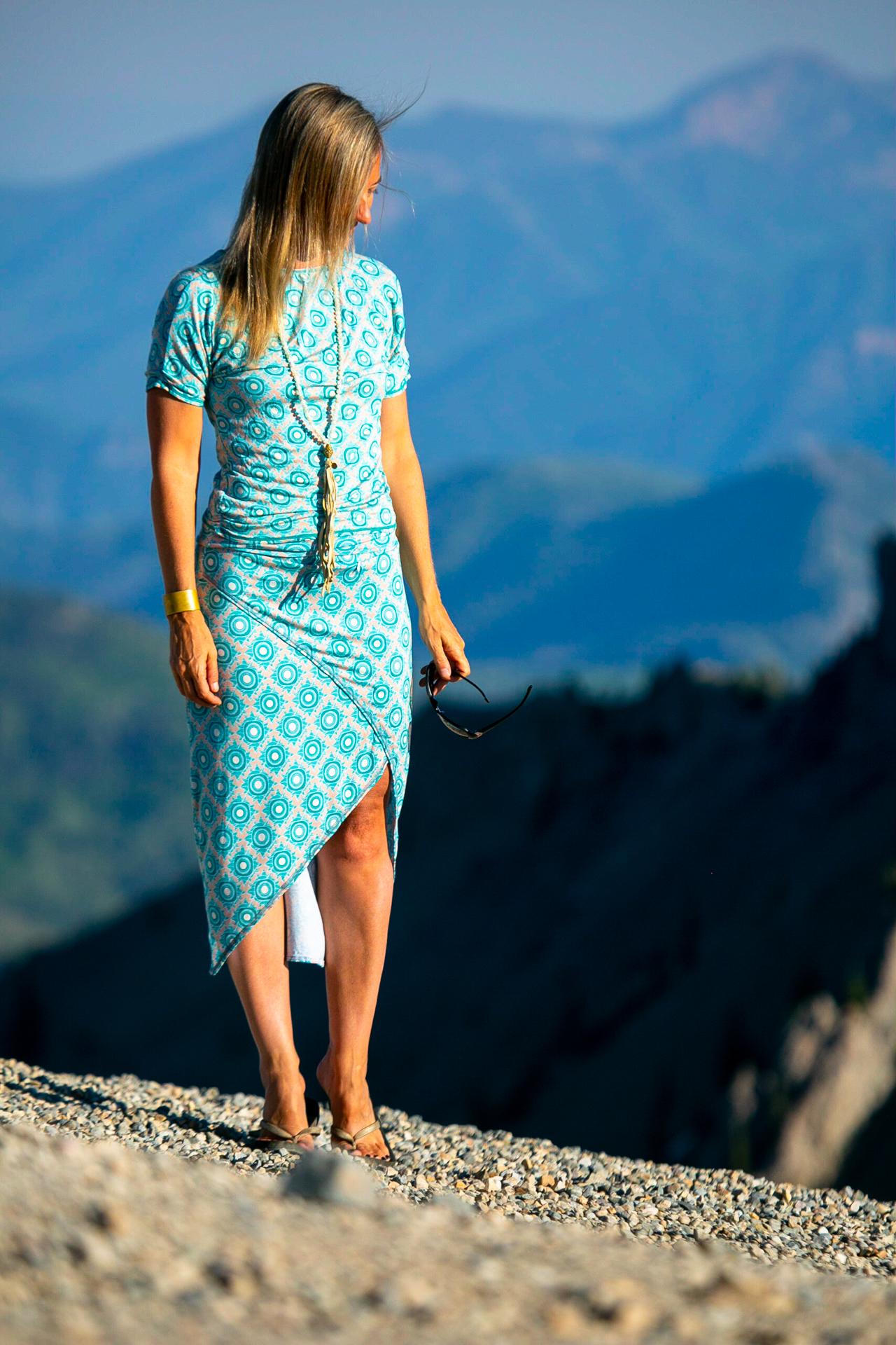 Solitude Skirt in Teal Daisy