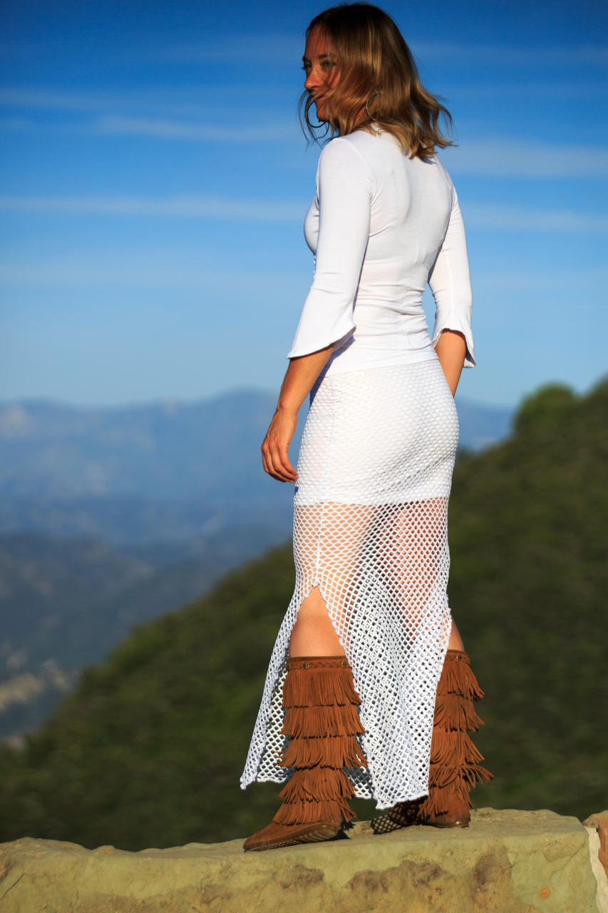 Skyport Reversible Skirt in White in Ventura