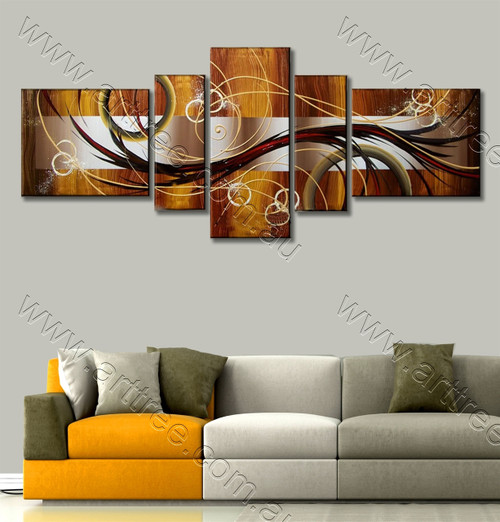Geometric Circle & Streaks Design famous artwork