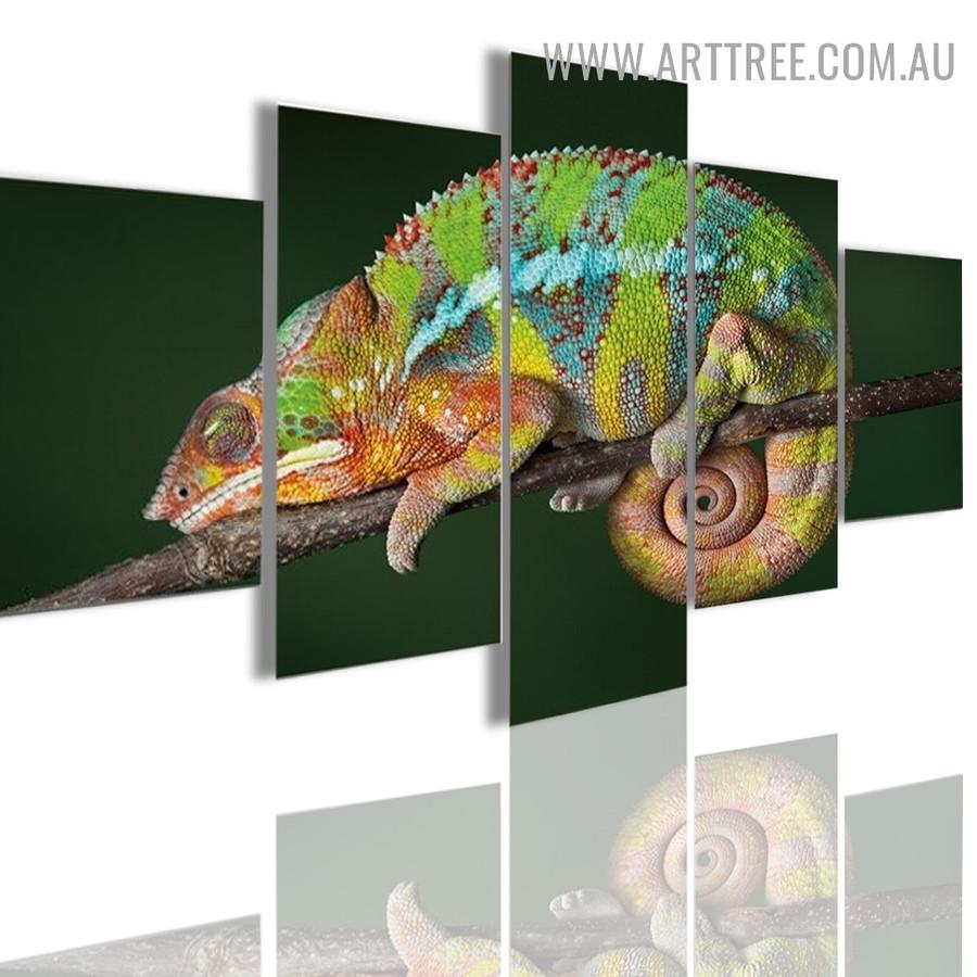 Lizard Chameleon Modern Animal 5 Piece Multi Panel Image Canvas Painting Print for Room Wall Drape